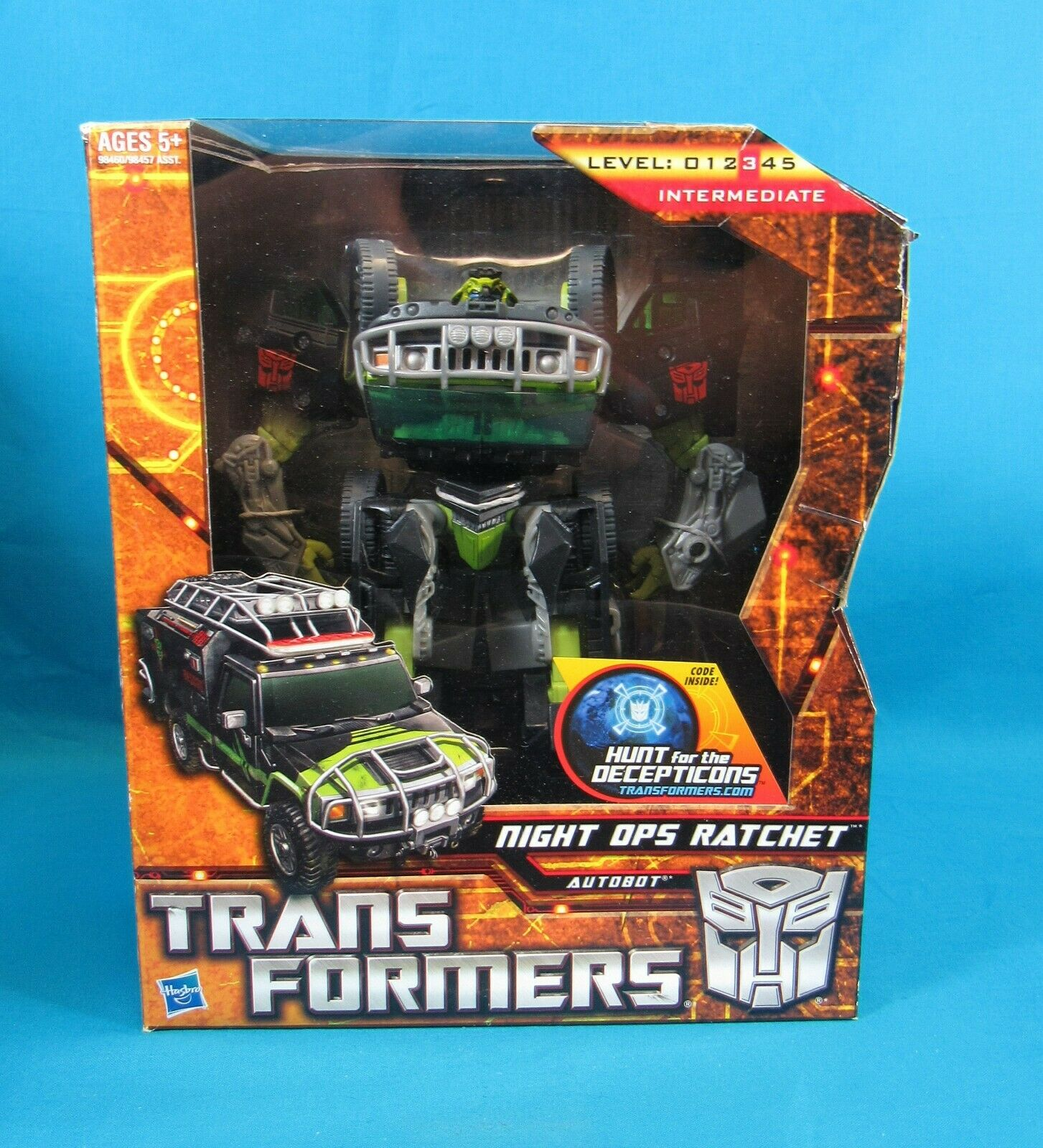 Hasbro Transformers Voyager Class Night Ops Ratchet 2010 New in Box