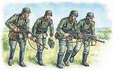German Panzergrenadiers 1939-1942    WW2  soldiers               1/35 Master box