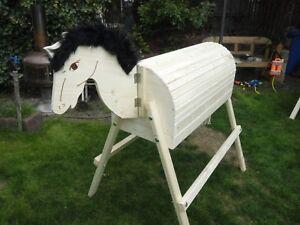 Holzspielzeug Holzpferd mit beweglichem Kopf Voltigierpferd Holzpony Pferd 114 cm