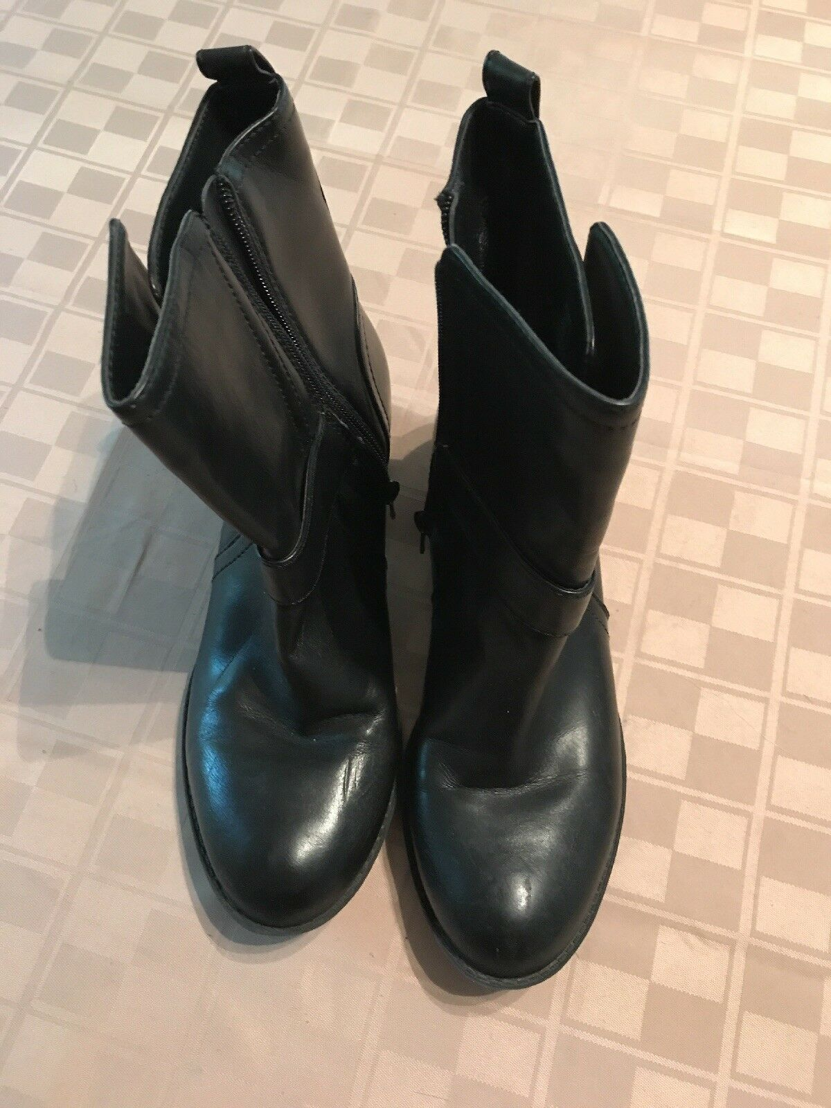 Just Fab Boots Robbie women's U.S Size 7 (euro 37.5) black ankle boot