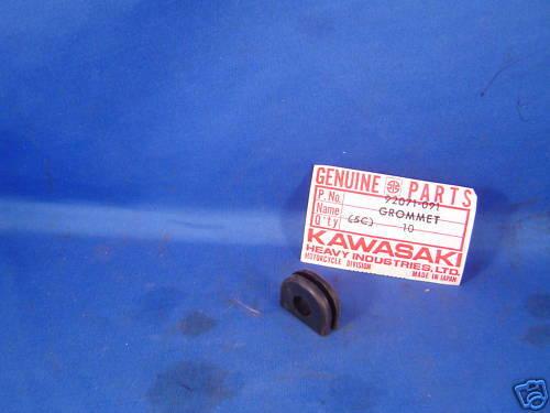 NOS Kawasaki Oil Pump Grommet 1976-1979 KD175 1976-1978 KE175 92071-091