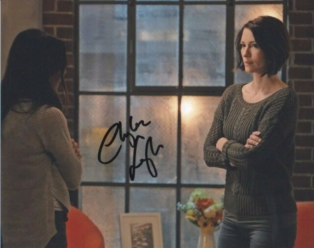 Chyler Leigh Supergirl Autographed Signed 8x10 Photo COA #A10
