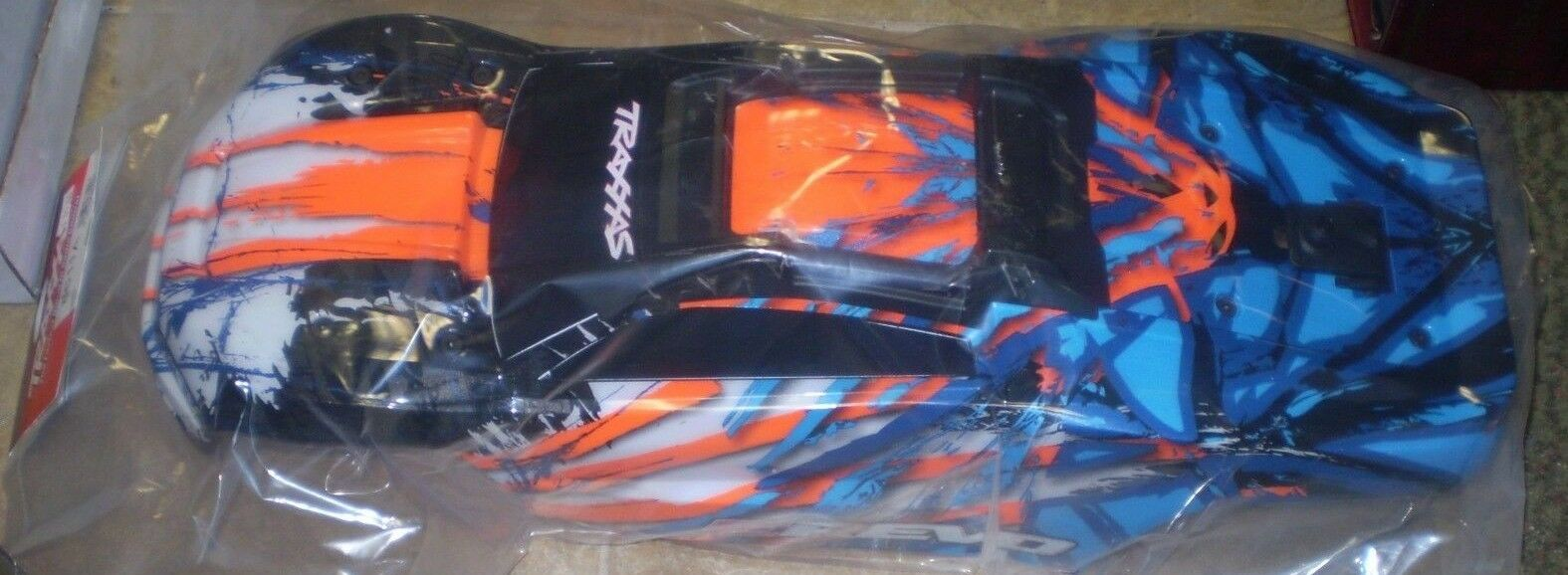 Traxxas 8611A Body - E-2.0 - arancia- Assembled with Body Mounts  NEW NIP