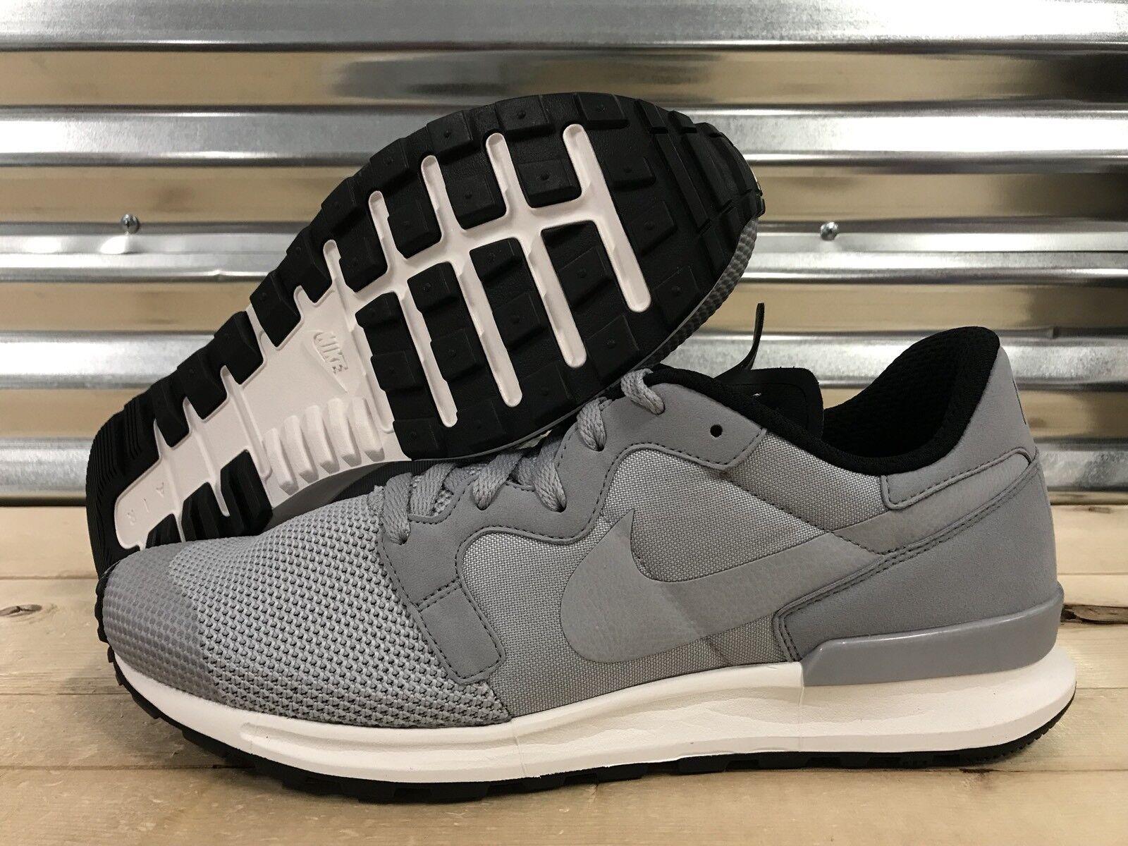 Nike Air Berwuda Premium PRM Running shoes Wolf Grey White SZ 13 ( 844978-002 )