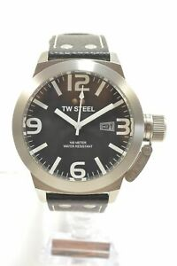 TW-Steel-TW2-Canteen-Black-Dial-Black-Leather-Strap-Men-039-s-Watch