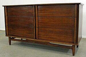 Danish Credenza Walnut : Mid century danish modern walnut drawer credenza dresser ebay