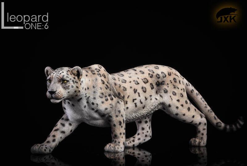 JXK.Studio JxK009B The Leopard bianca Panther Animal Model With Fluoresced Eyes