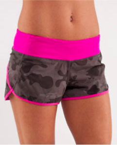 Lululemon Speed Short Wren Camo (Lay Low Camp Print/Paris Pink) Size 8