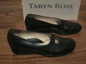 Taryn Rose Shoes 40 9. 5 Black Wedge
