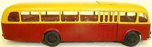 SKODA-706RO-Rojo-Beige-RK-KIEV-Bus-H0-1-87-a