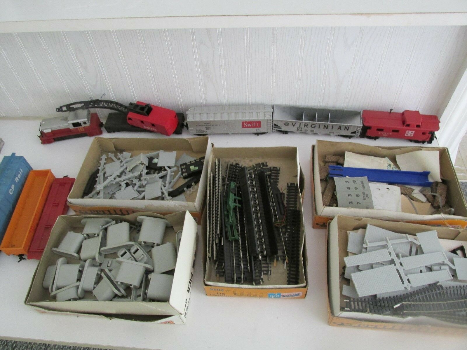 Vintage Trains HO scale and parts