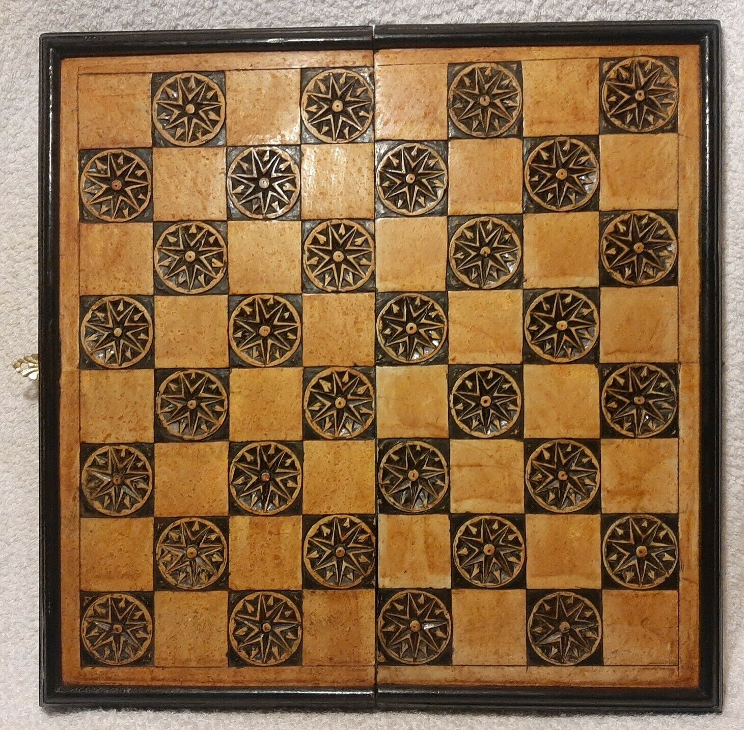 Vintage carved resin schwarz lacquer chessboard box case 41cm sq very heavy VGC