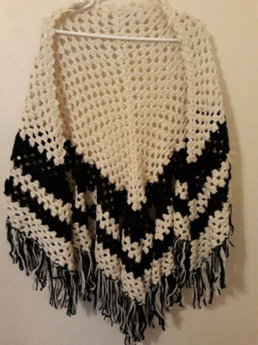 Open Front Poncho with Sleeves Southwestern Blue /& White Aztec Print Full and Soft