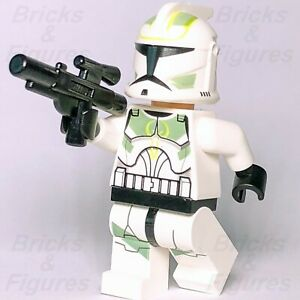 New-Star-Wars-LEGO-Clone-Trooper-with-Sand-Green-Markings-Minifigure-7913