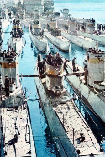 Flottille de U-Boote allemands dans une base de la Kriegsmarine WW2