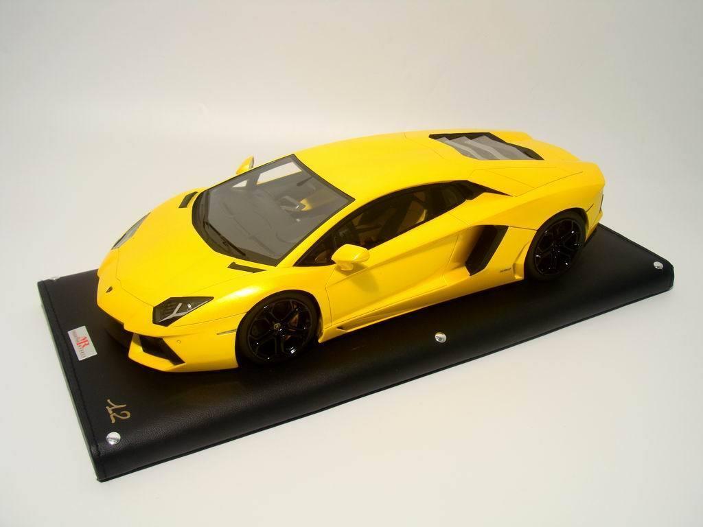M. Collection Lamborghini Aventador LP700-4 jaune édition limitée 199pcs 1 18  Sold out