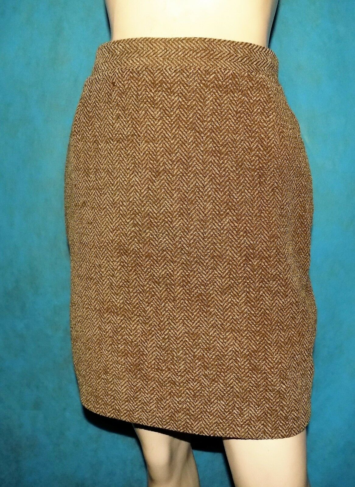 Skirt BARBARA BUI 50% wool Size 36 FR or 40 IT VERY GOOD CONDITION