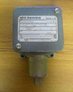 United Electric Pressure Switch Nema 4x H105 126 9520