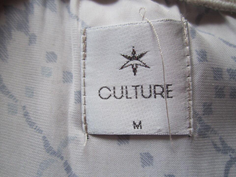 Bluse, Culture, str. 38