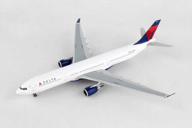 Delta Airbus A330-300 N823NW Gemini Jets GJDAL1729 Scale 1:400 IN STOCK