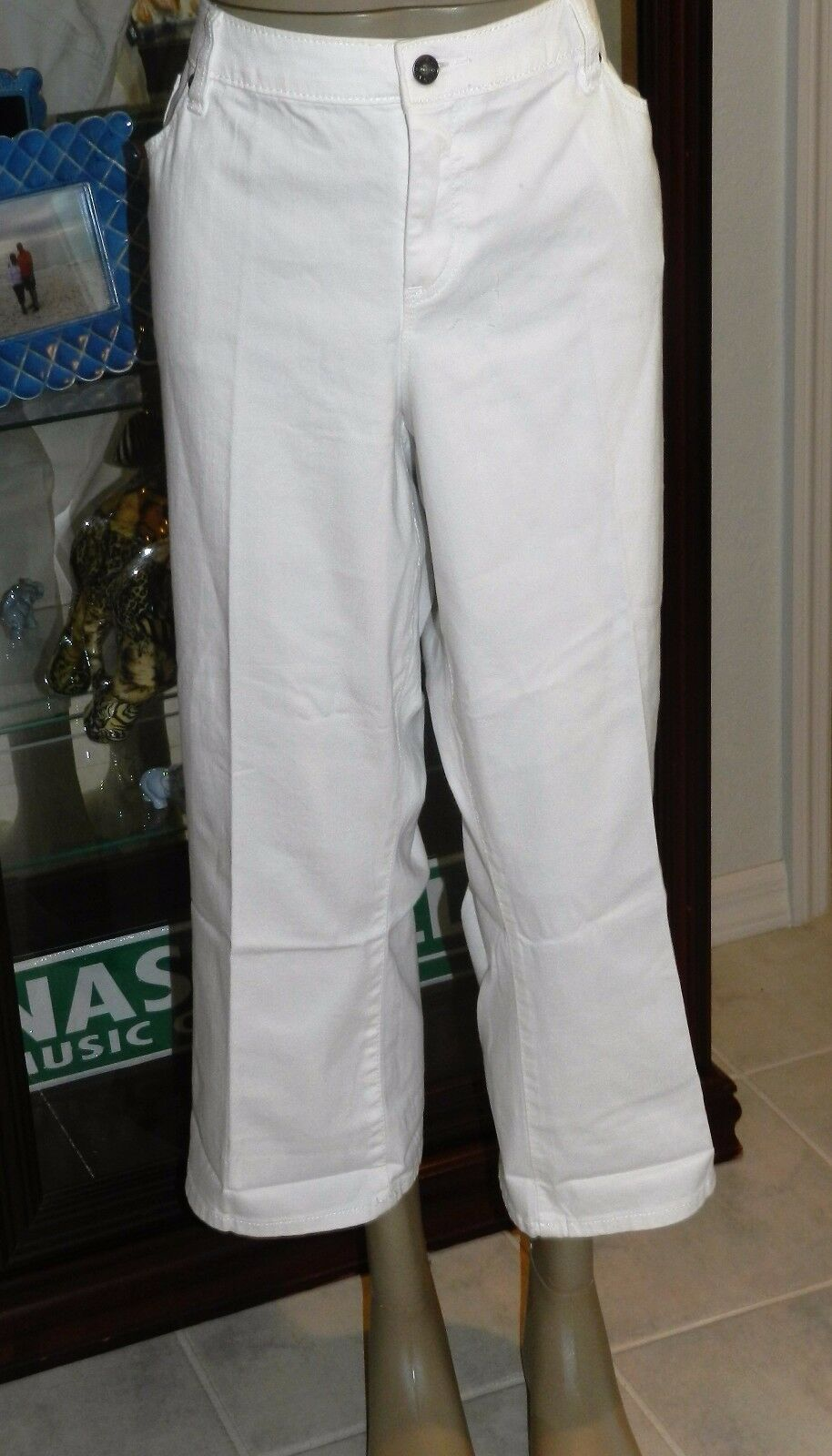 NEW  WOMENS APT 9 WHITE MODERN FIT CROPPED FLARE STRETCH JEANS SIZE 18W
