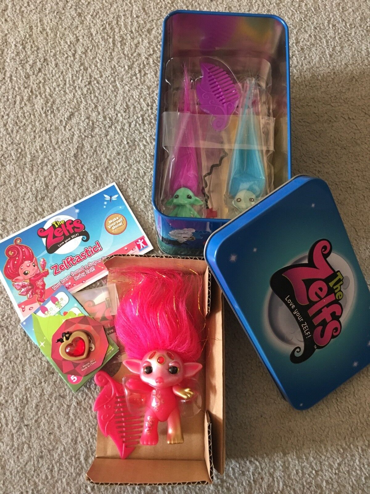 The Zelfs ULTRA RARE Series 2 Ruby Zelf Jewely Tin med ExcLUSIVE GITD Lil Zelf