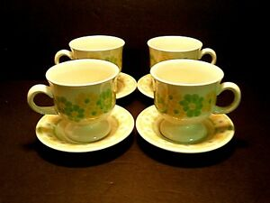 Franciscan-Picnic-Footed-Cups-amp-Saucer-Yellow-Green-Flowers-Lot-of-4-Sets