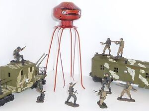 Original-First-Run-1950-039-s-Space-Age-034-Martian-Invader-034-Military-Tin-Wind-Up-NIB
