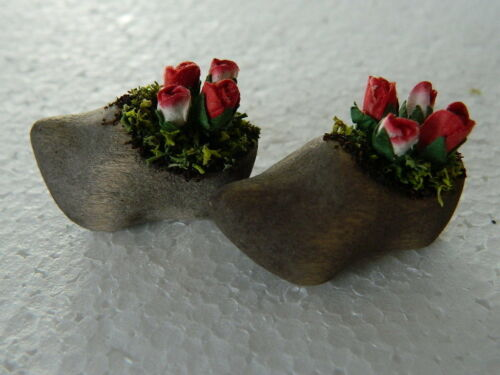G3-21 DOLLS HOUSE HANDMADE PAIR OF WOODEN CLOG PLANTERS WITH MIXED ROSES