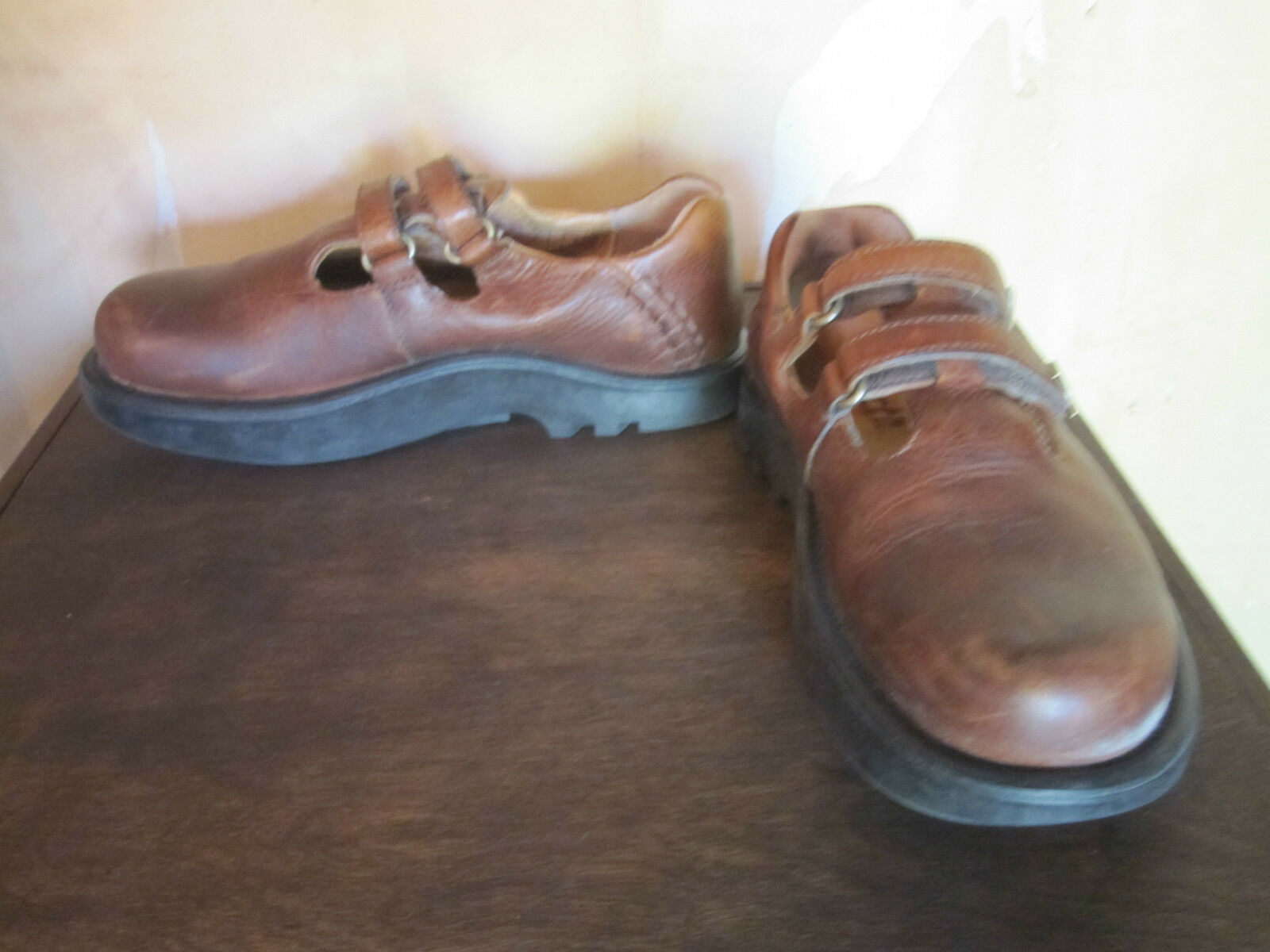 Earth shoes brown double strap mary janes sz 7