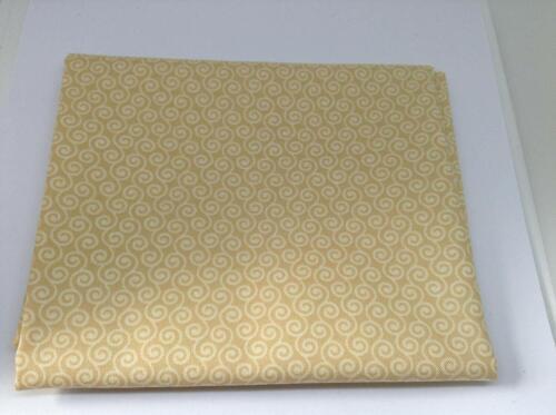 100/% cotton 50 x 54cm Fat Quarter Christmas Cram//Beige Fabric