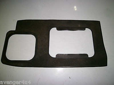 3 LAND ROVER DISCOVERY 300TDI AUTO GEARBOX SURROUND RUBBER MAT