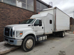 2016 Ford F650 straight truck