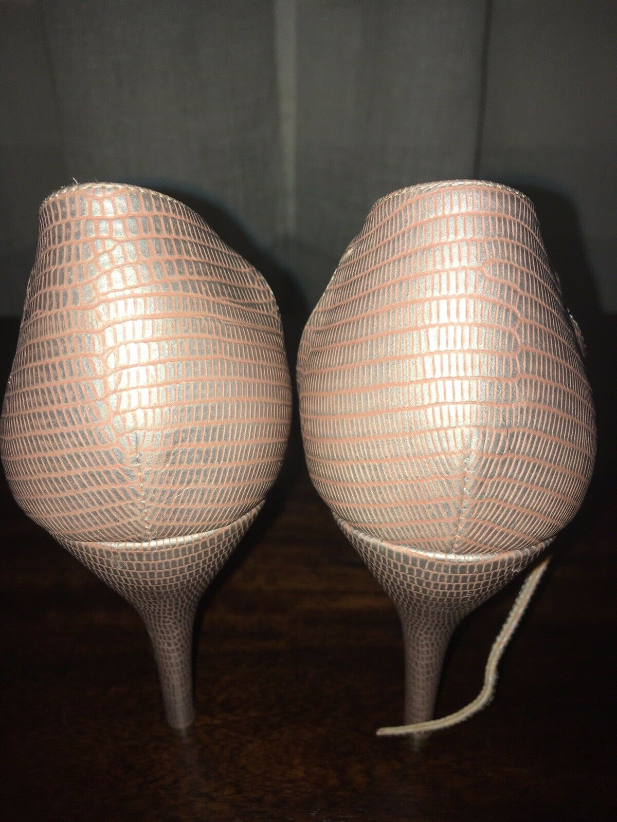 Escada Lizard Lizard Lizard Skin Pump Size 37.5 In Light Pink color Retail Price 675.00 ad51aa