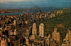 New-York-City-Manhattan-USA-1978-seen-from-the-Empire-State-Building-Oservatory