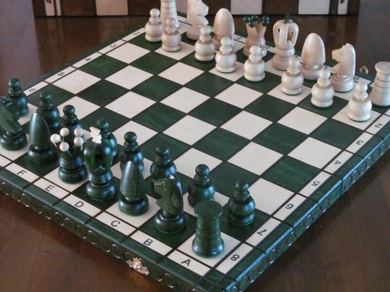 Brand New ♜ Hand Crafted Royal  Wooden Chess Set Green 44cm x 44cm