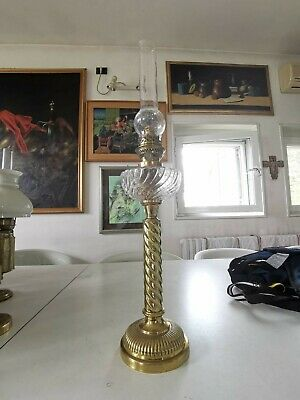 Antiques Lamps Lampada A Petrolio Originale In Ottone Demand Exceeding Supply