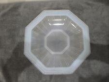 Pierre D'AVESN élève de LALIQUE Coupe octogonale sur talon en verre opalescent