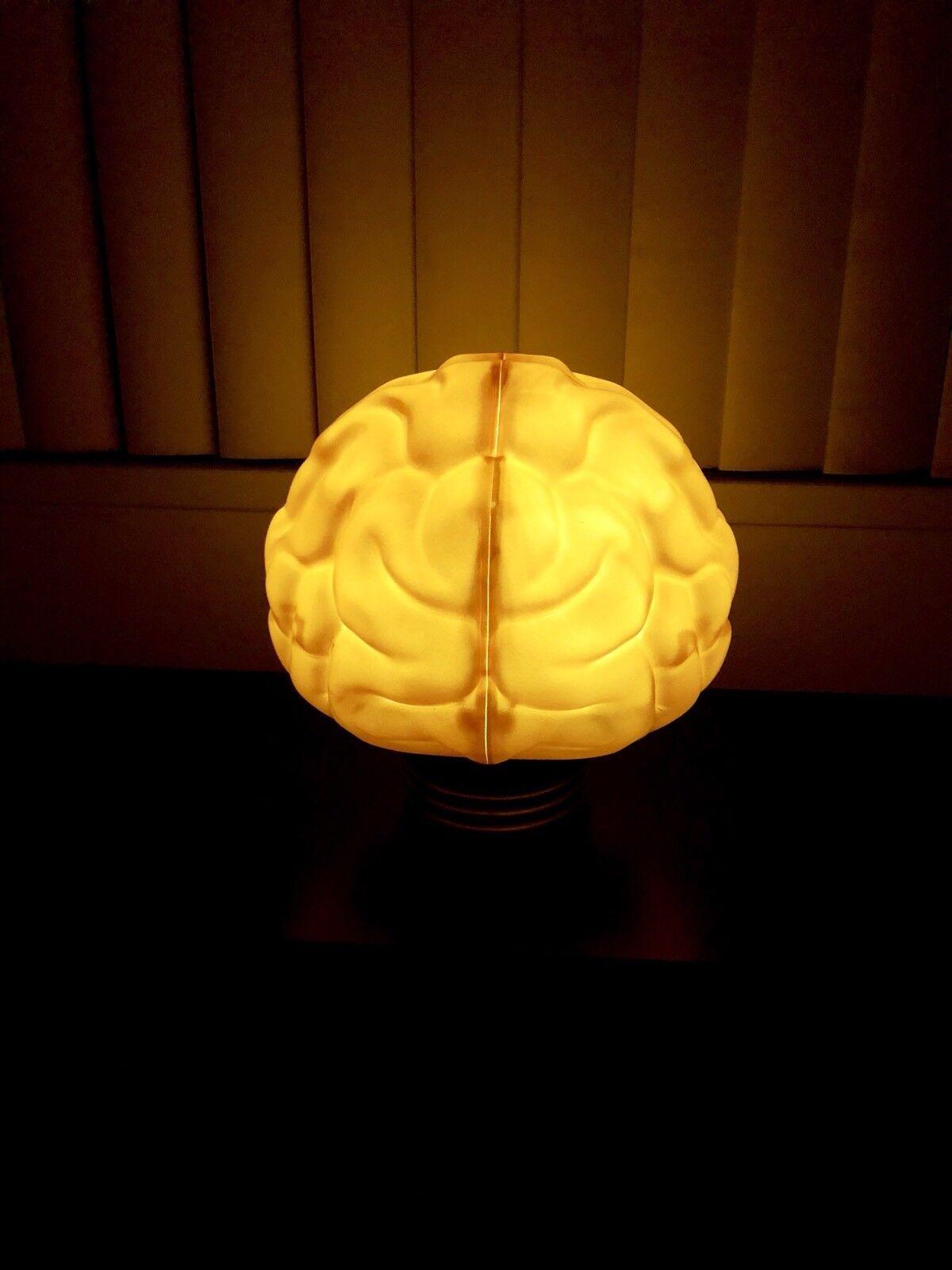 BAIT X N.E.R.D X BBC oro cerebro Lámpara complejas con Exclusive Pharrell En Mano