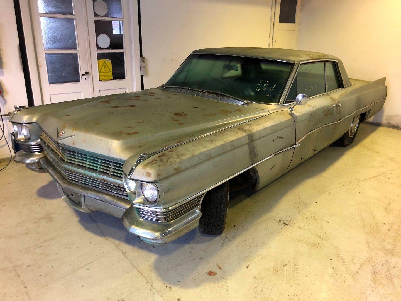 Cadillac DeVille 6,0 V8 4d