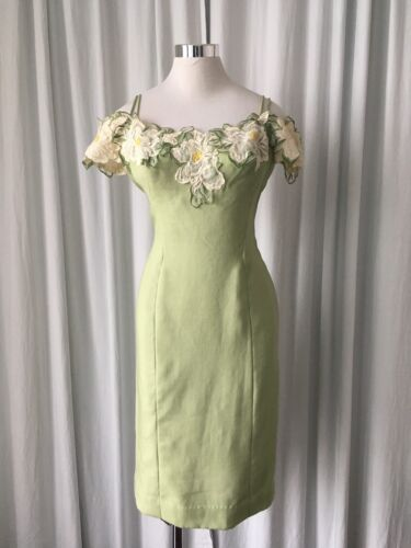 Vintage 40s linen green wiggle dress with flowers
