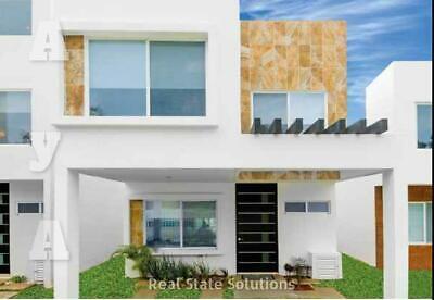 Casa en Venta de 3 Recámaras, Estancia Familiar, 2 Niveles en Paseo de la Joya, Playa del Carmen
