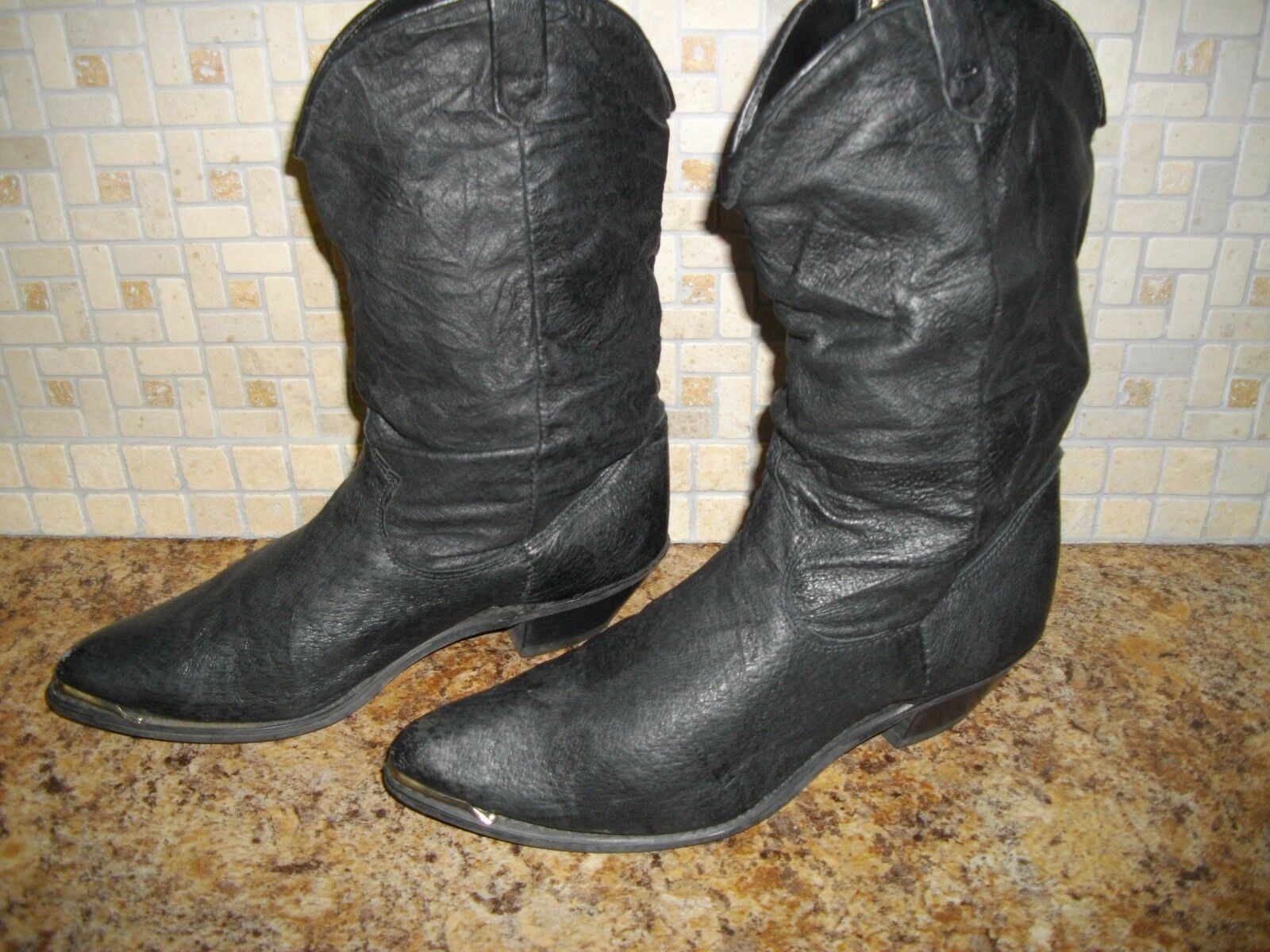 WOMENS DINGO COW GIRL BOOTS SIZE 7M WOMENS BLACK SLOUCH STYLE BOOTS SZ. 7
