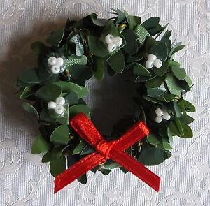 Dolls-house-miniatures-Christmas-boxwood-wreath-with-white-berries-and-red-bow
