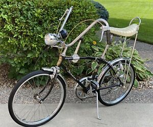 Schwinn 1967 Stingray Fastback 5 speed stik-shift Bike, Black.