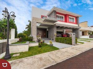 Casa panorámica a la venta en Residencial del Lago, Xalapa