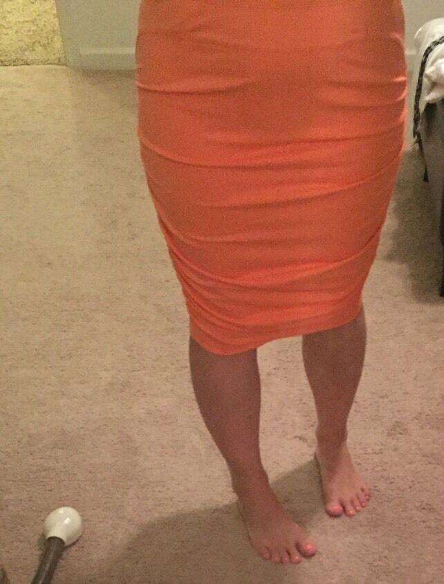 130 Designer David Lerner Coral Stretchy Ruched Sides Pencil Skirt size Medium