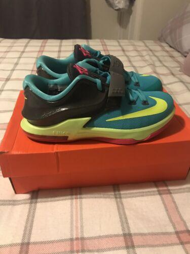 Nike KD Gradeschool Size 5.5