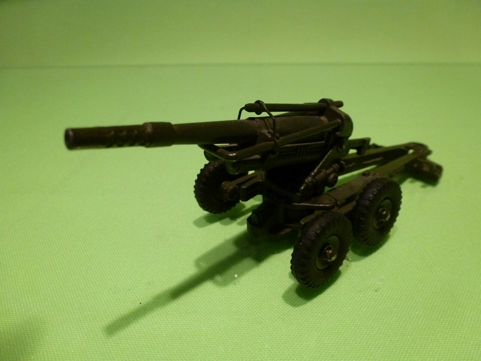 DINKY TOYS 80E OBUSIER 155mm GUN - FRANCE ARMY GREEN 1 55 - VERY GOOD - MILITARY