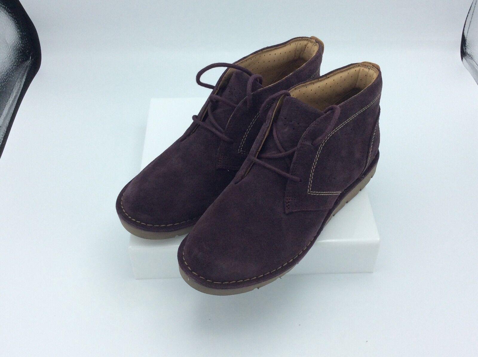 Clarks Womens Un Astin Chukka Boot Aubergine Size 6.5 M